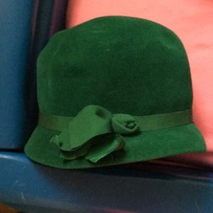 Emerald color hat